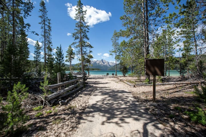 Red Fish Lake, Point Campground