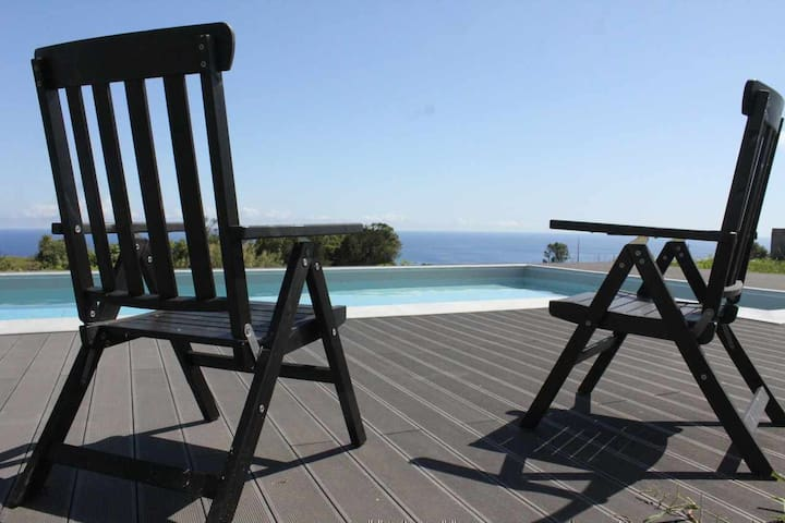 House for couple with pool and magnificent view