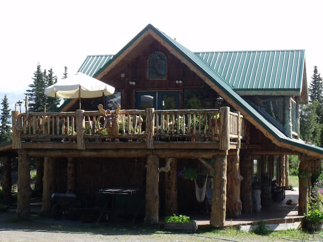 Hunters Cove Room: Hungry Moose B&B in Kasilof, Ak