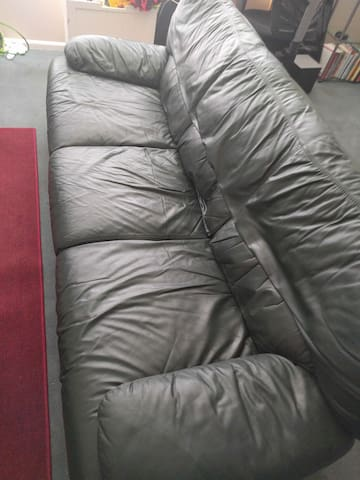 Comfy Couch with a Great View! - Orem - Apartment