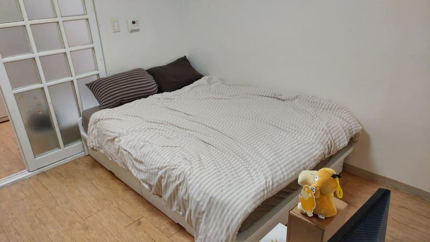 Two Rooms & Best Location / Station 5min - Gangnam-gu - Casa