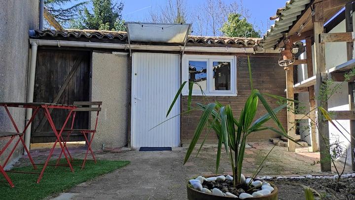Studio cosy avec terrasse privative