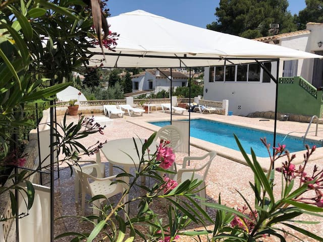 Private pool walking distance to Moraira Town