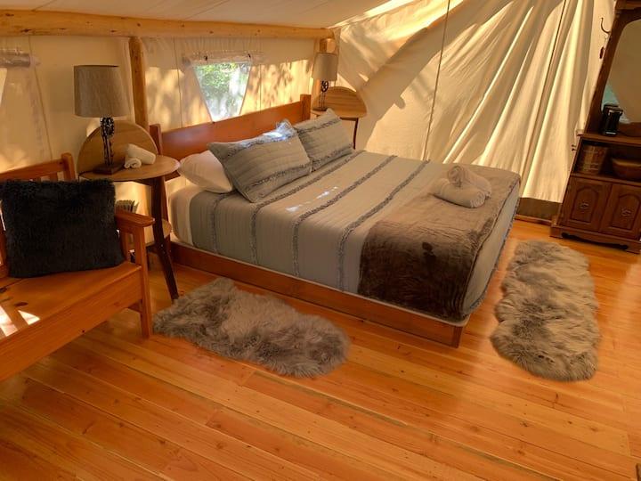 Glamping! Luxury Tent - Pioneer