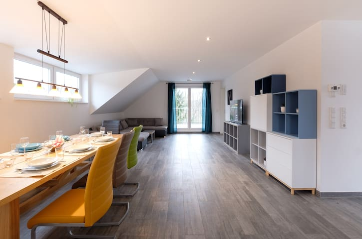 Spacious Modern Apt - Quiet Area Nr Rhine-Main