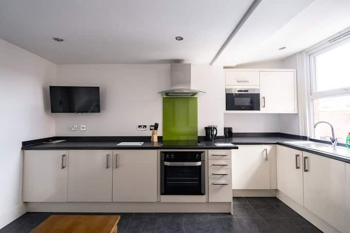 Impeccable 1-Bed Apartment in Sheffield