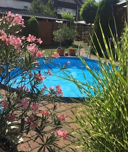 Moderne und helle Wohnung mit Pool in Koblenz