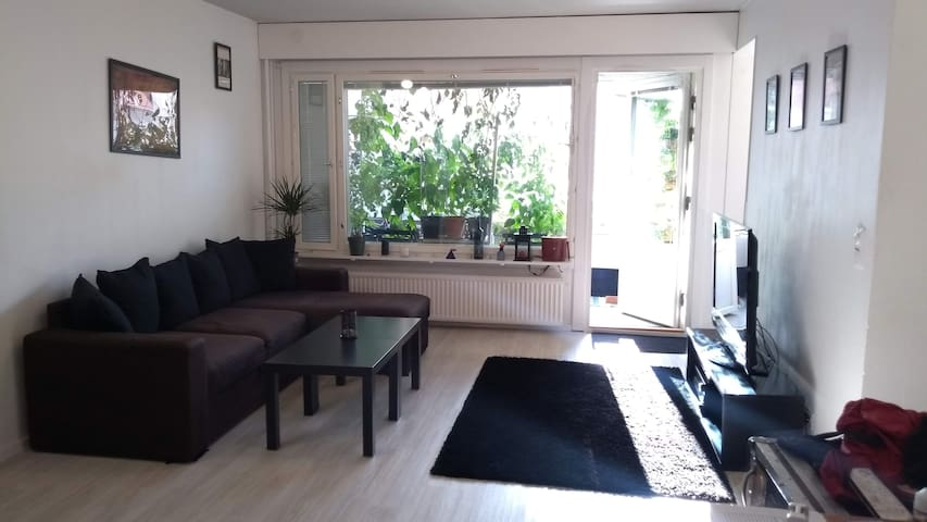 Cozy apt w/ balcony for monthly rental in dec-jan
