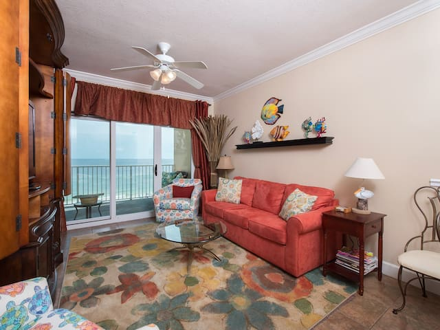 Comfort and  luxury describe Seawind #605.