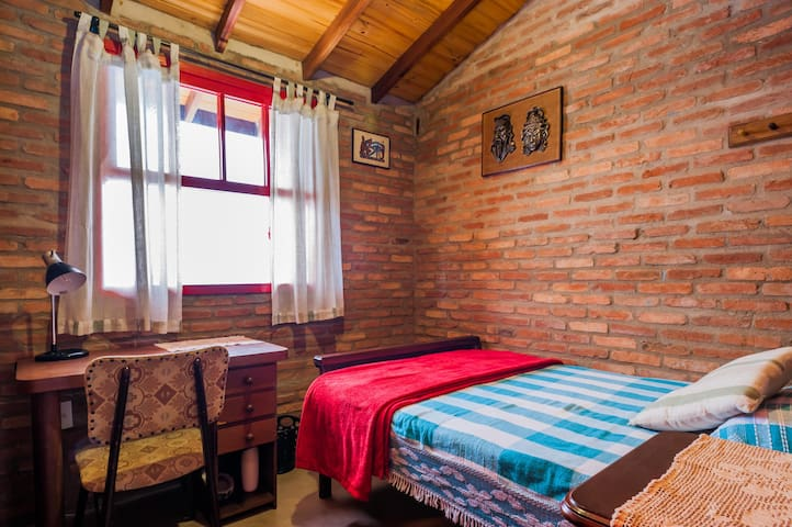 Comfy room at walking distance from Unicamp - Campinas - Maison