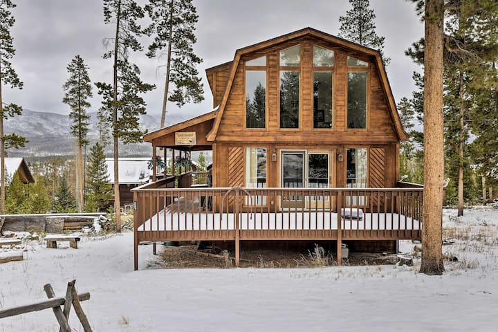 Dog-Friendly Cabin Situated 2 Miles to Lake Granby