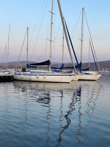 Barca a Vela Ladyhawke  Boat and Breakfast