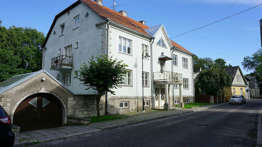 Old town/city centre apartment - Kuressaare