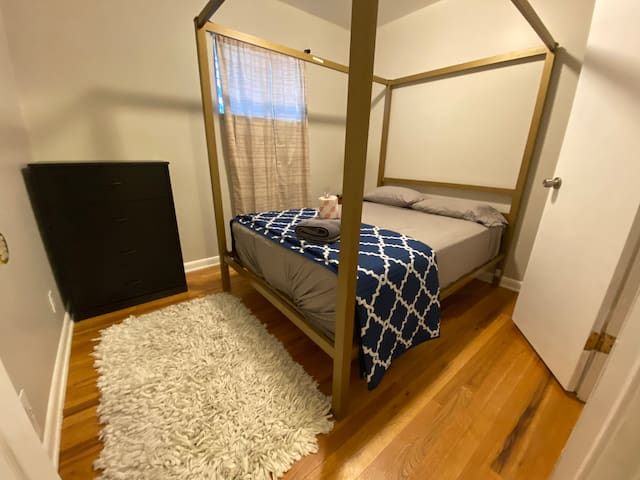 Totally Great Private Room, Home Near Light Rail K