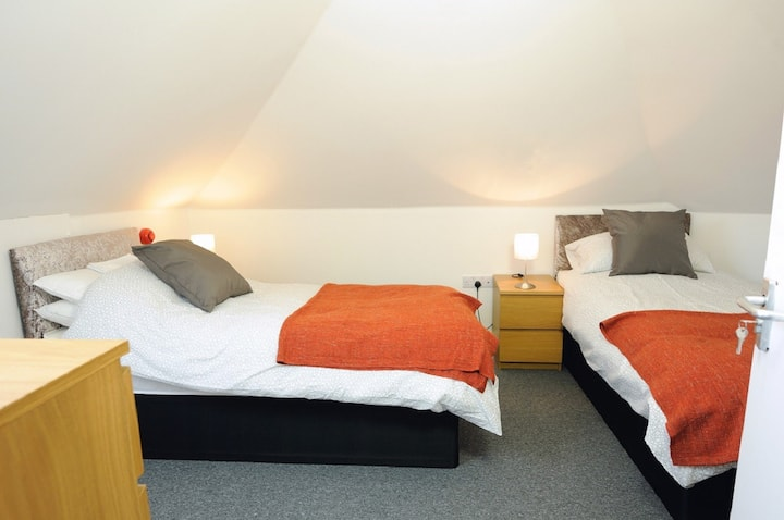 Sea View Room 4 with Quality Twin Beds and Private Shower Room