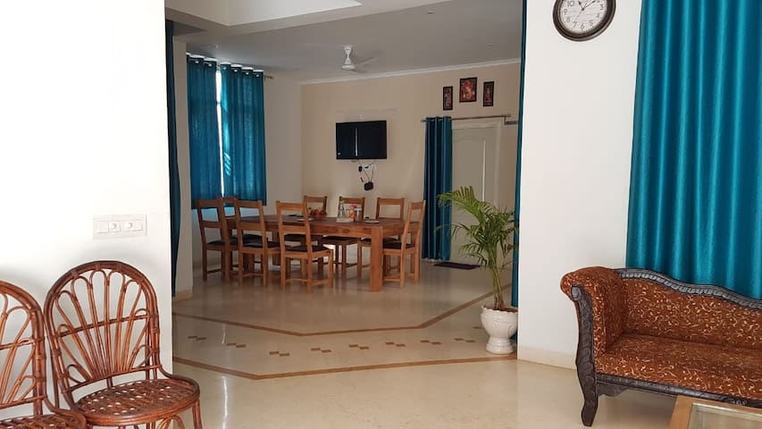 "Shriyan Guest House- Executive Suite "" Jyot"""