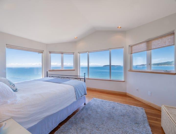 Seaside Family Getaway- Sunset Beach House