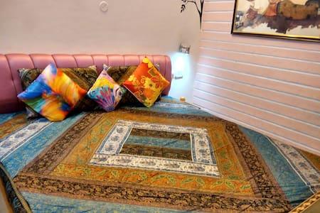 HOMESTAY HARIDWAR - Deluxe room ROSE - Haridwar