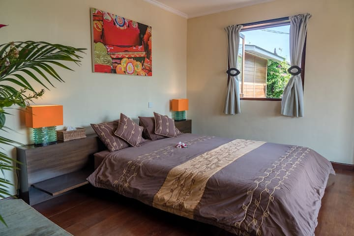Cozy Apartment & Shared Pool in Heart of Seminyak