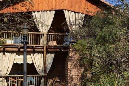 In&Eke Bushveld Home