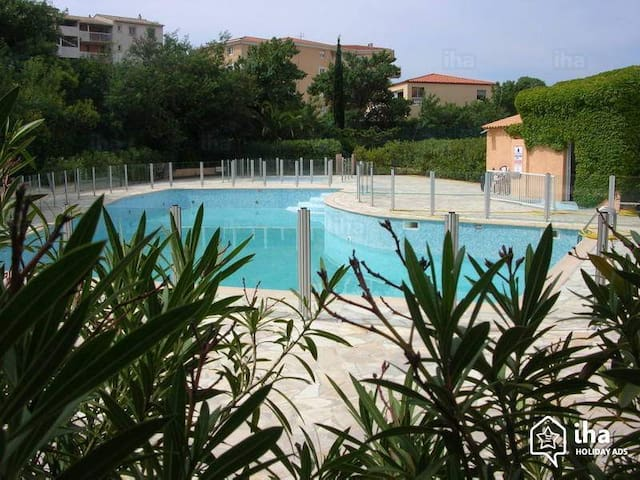 T2 piscine, terrasse,clim, tennis - Fréjus - Appartement