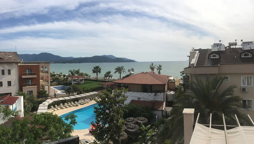Fantastic view - beach 50 m away/pool - Penthouse - Fethiye - Flat