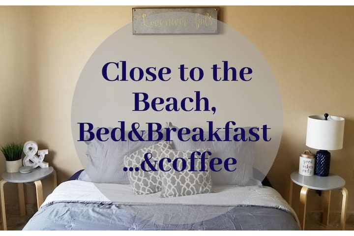 Cerca de la playa. Desayuno y café incluido.