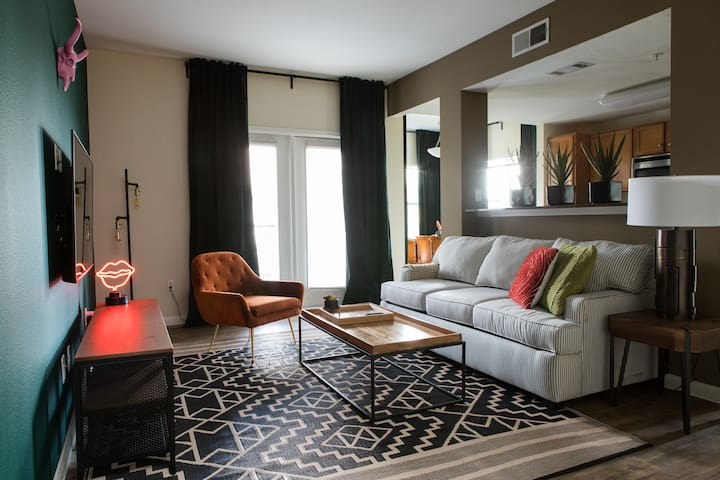 Chic 1BR off South Congress #1201 by WanderJaunt