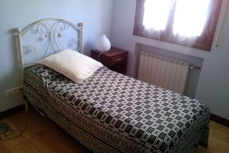habitación - Wohnung