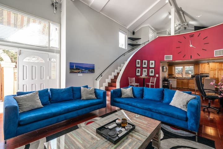 Gorgeous private 2 story guest house - Studio City