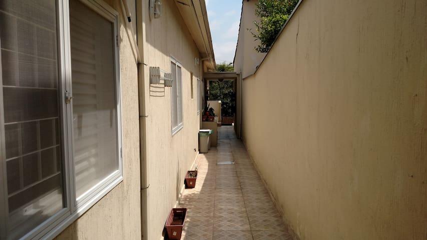 Casa em Barueri - somente a sala (1 cômodo)