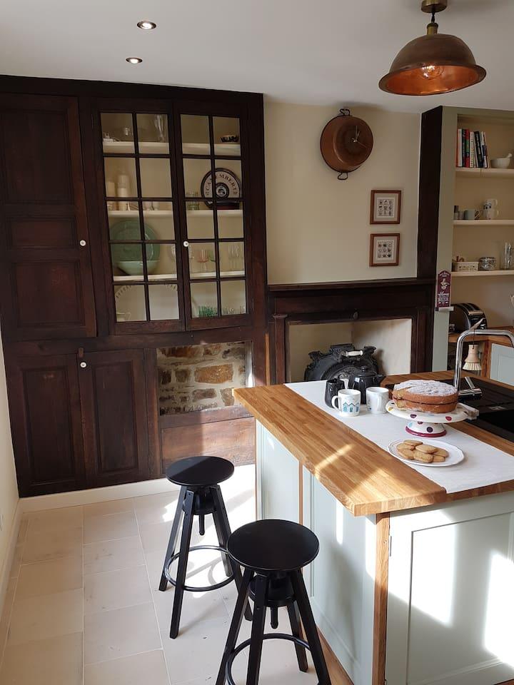Bespoke kitchen with breakfast bar