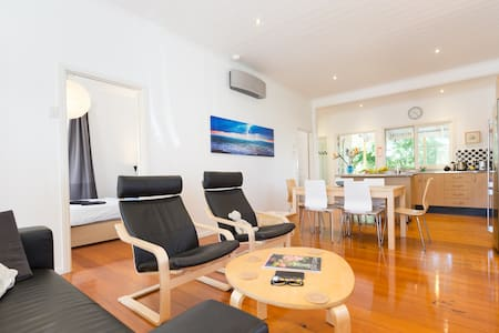 Sunny Top Level Townhouse - Exec - West End