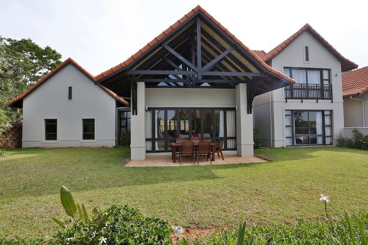 3 Fish Eagle Zimbali - Spacious 4 bedroom home
