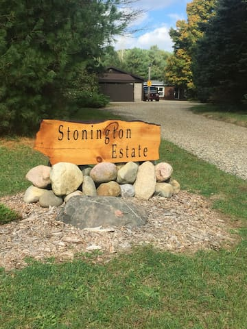 Driveway entrance with Stonington sign