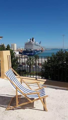 """""""Puerta al Mar"""",zentrale Wohnung mit Hafenblick"""