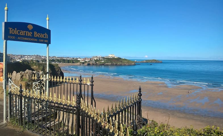 Newquay holiday home, 300m from Tolcarne Beach