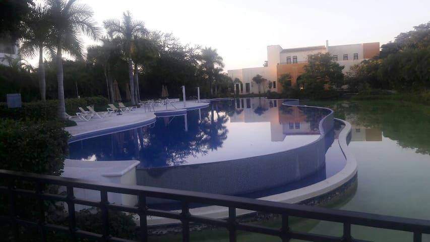 Apartamento en TAHEIMA (el Tigre Club de Golf).