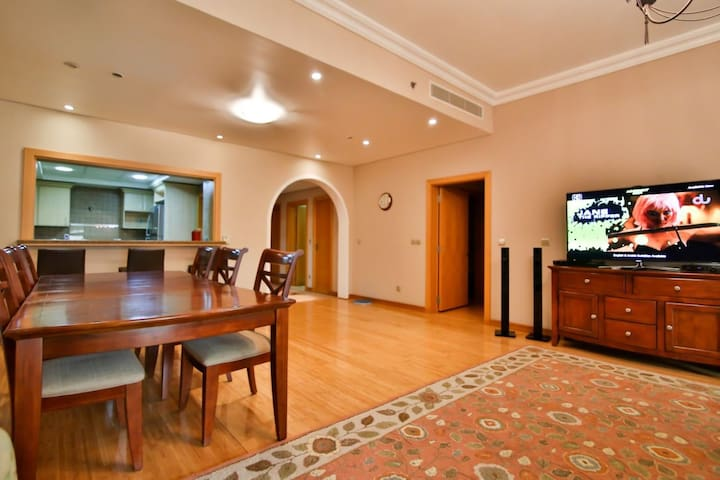 Palm Jumeirah, Shoreline Apartments.