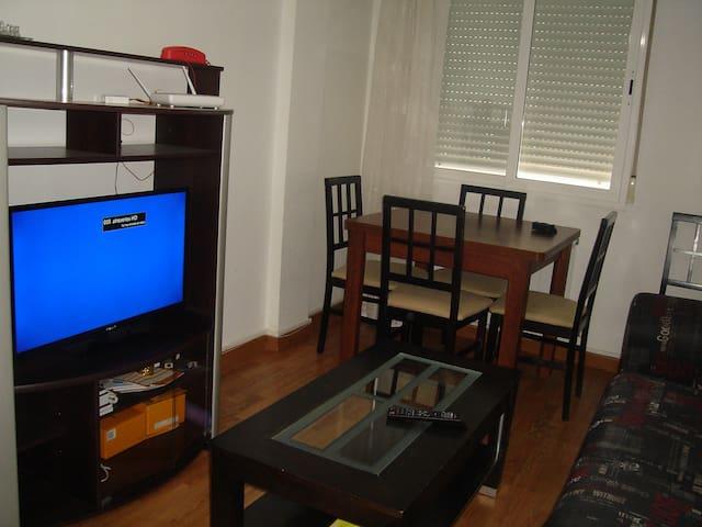 """habitación """"1"""" piso compartido SOLO CHICAS DR 33"""