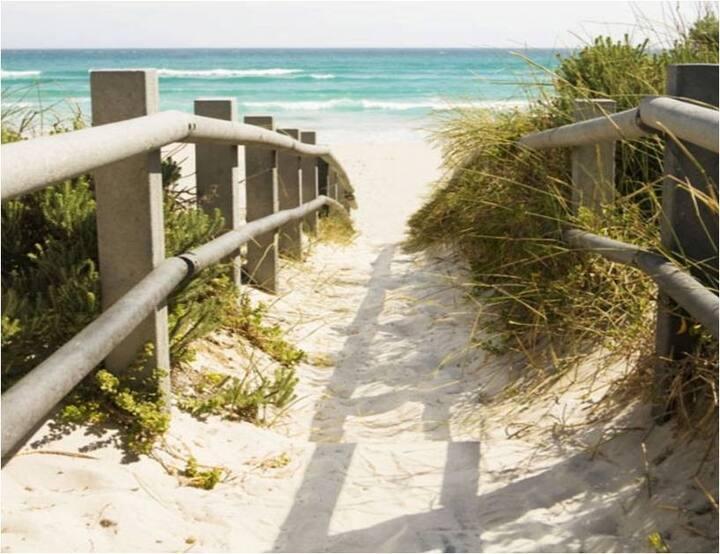 Wattlebird Beach Retreat @ Lake Tabourie