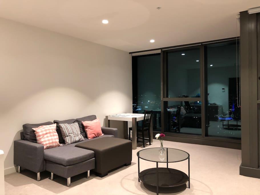 Victoria Station  Room For Rent
