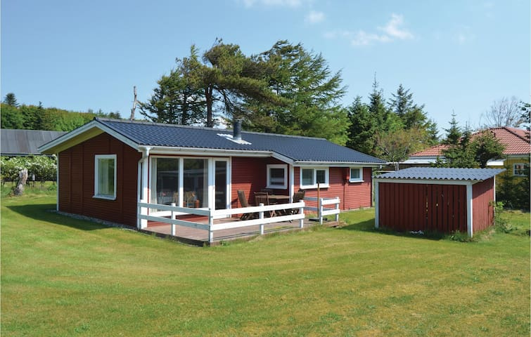Holiday cottage with 3 bedrooms on 65m² in Struer