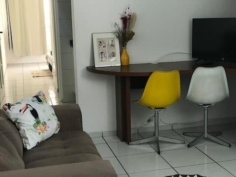 *Apartamento ótima localização, seguro, equipado*
