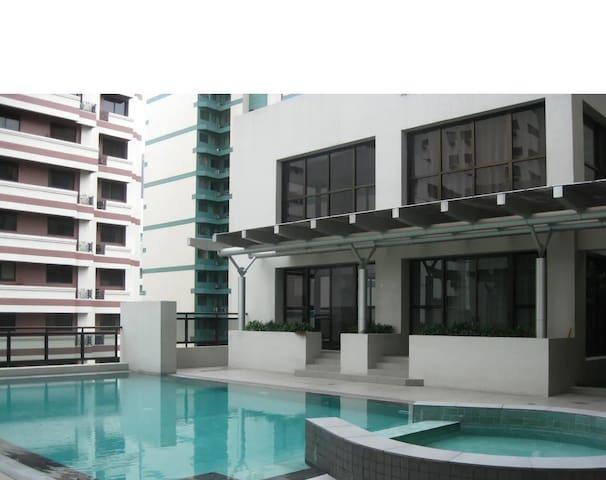 Grand Soho Makati Condo - Studio type for rent