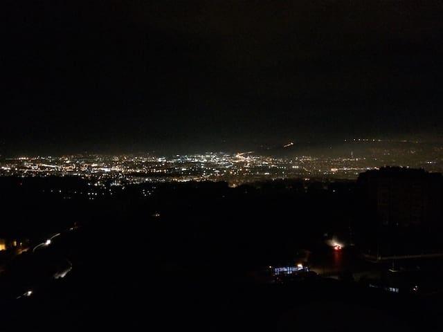 İzmir manzaralı şirin oda - İzmir - Apartment