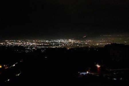 İzmir manzaralı şirin oda - Izmir