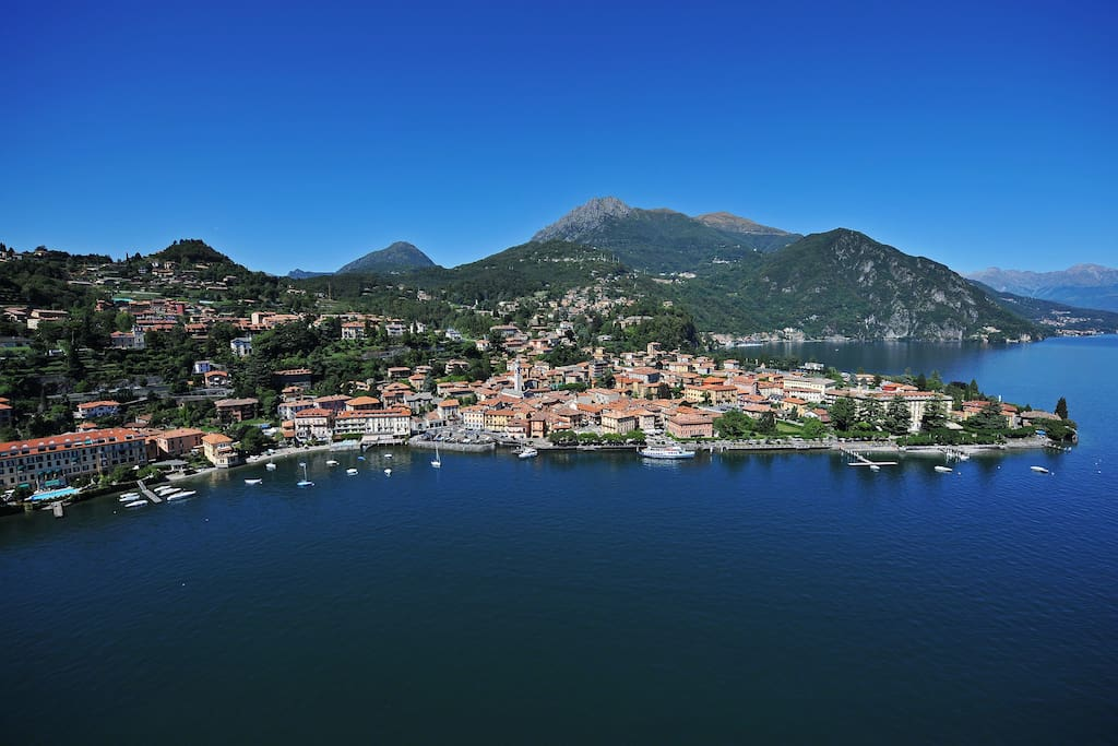 Helicopter foto of the town of Menaggio Residence Victoria by the waters