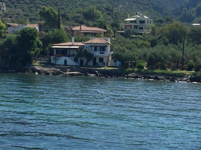 Mediterranean seaside house in olive grove 8 - Avia