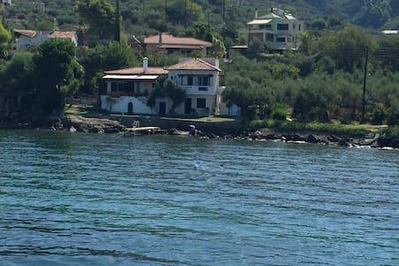 Mediterranean home for 8 - Avia - Talo